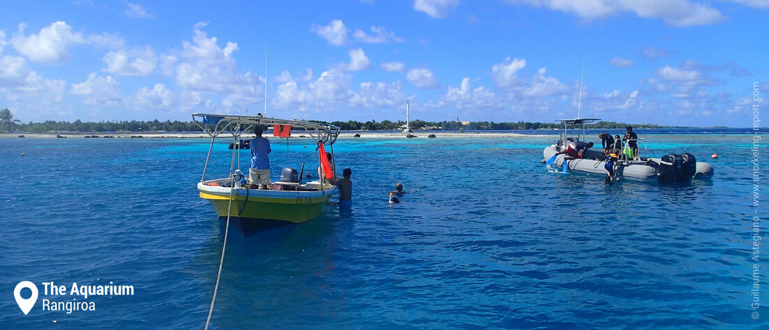 Snorkeling boats at the Aquarium, Rangiroa