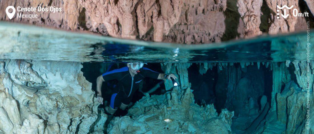 Snorkeling dans les grottes du Cenote Dos Ojos, Mexique