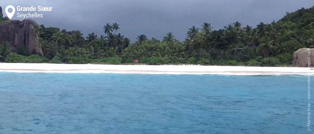 Vue sur l'île de Grande Soeur, Seychelles