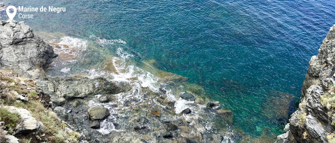 Le tombant rocheux de la Marine de Negru, Cap Corse