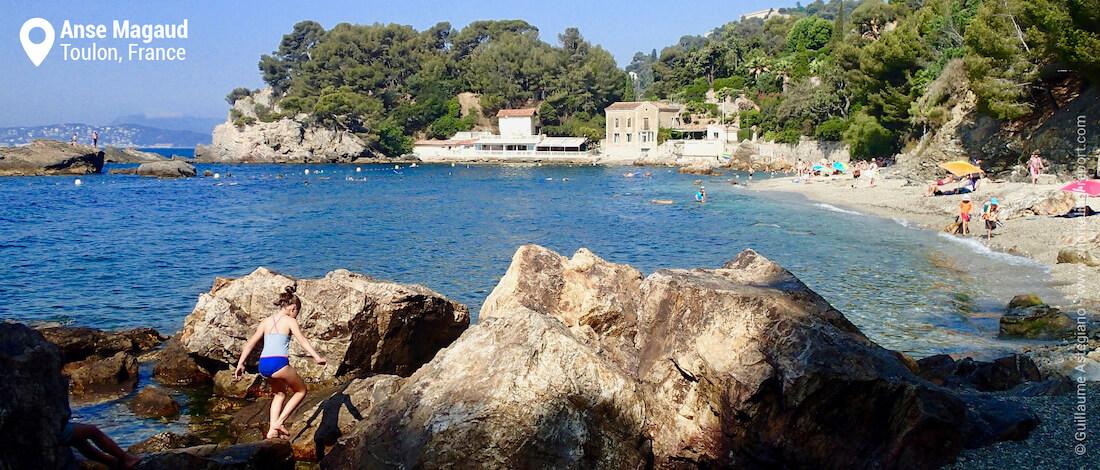 Anse Magaud Beach, Toulon