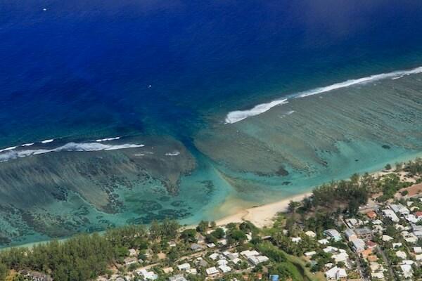 Lagon à l'île de la Réunion